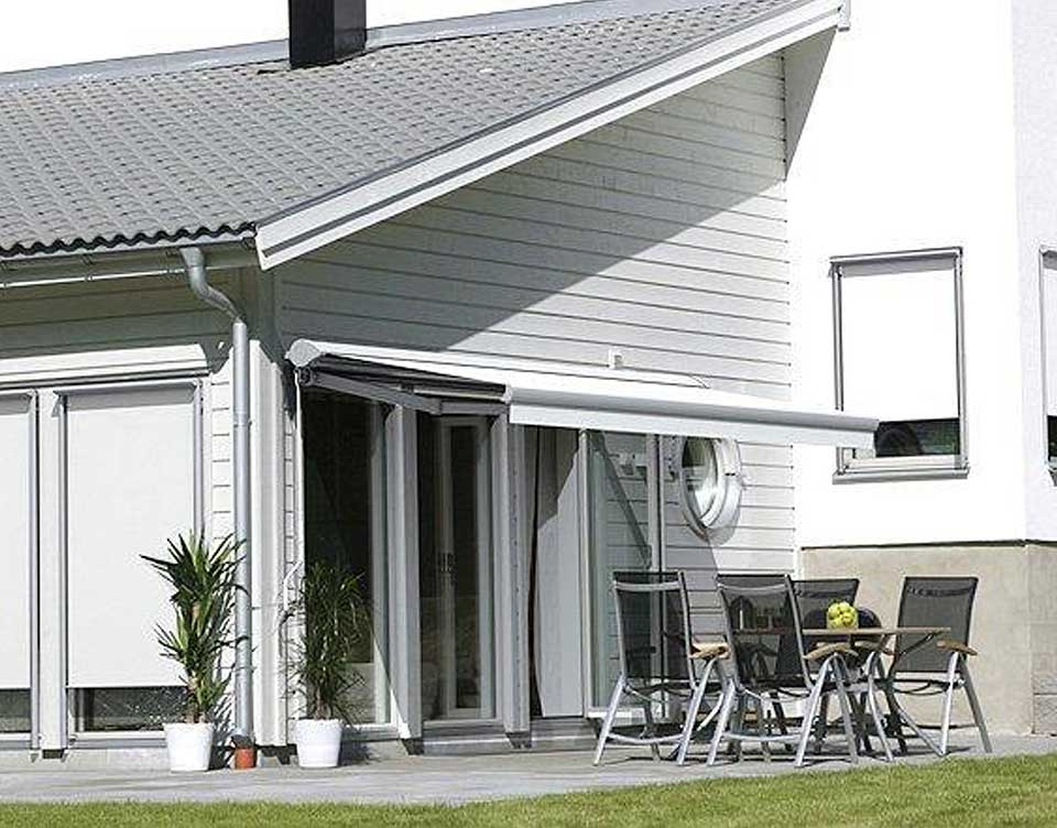 Image of a quality retractable awnings by Shutters Australia