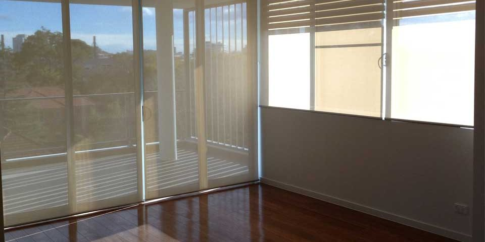 Why are Roller Blinds a Top Choice Among Australian Homeowners?
